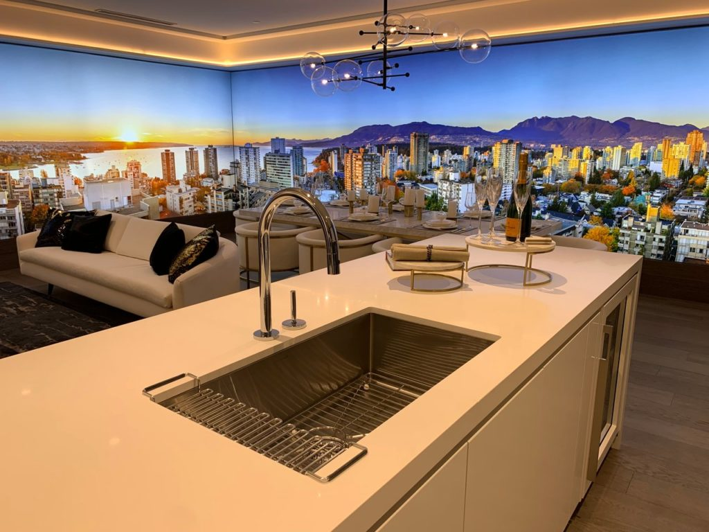 Kitchen sink in an island of an apartment